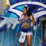 Frau in blau weis