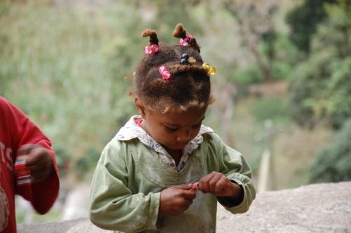 Kind mit Zuckerl